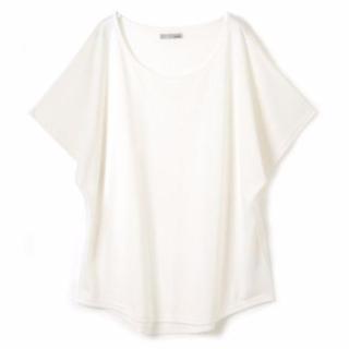 きれいめ白Tシャツ