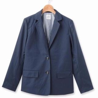 THE EMPORIUMのメンズライクなネイビージャケット