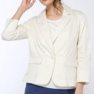 TVドラマ「営業部長 吉良奈津子」松嶋菜々子さん(吉良奈津子)風衣装の白ジャケット