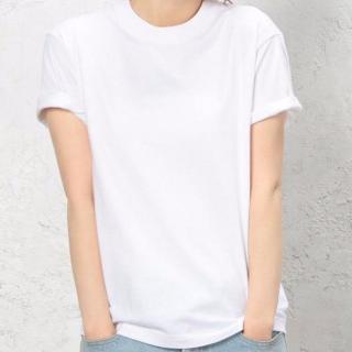 定番の白Tシャツクルーネック