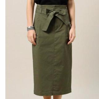 BEAUTY&YOUTHのカーキベルトタイトスカート