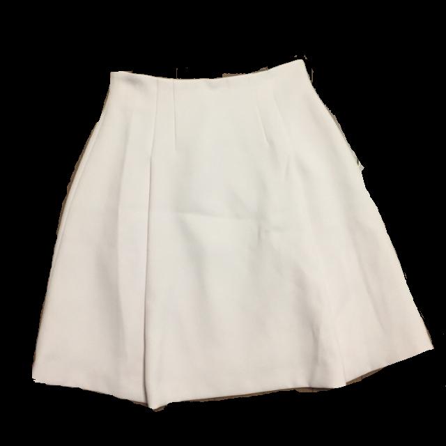 Noelaのひざ丈スカートを使った着回しを募集します。