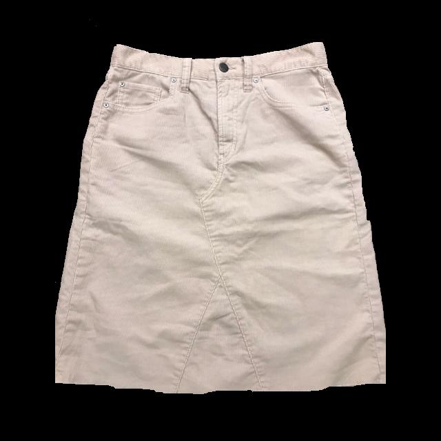 GAPのひざ丈スカートを使った着回しを募集します。