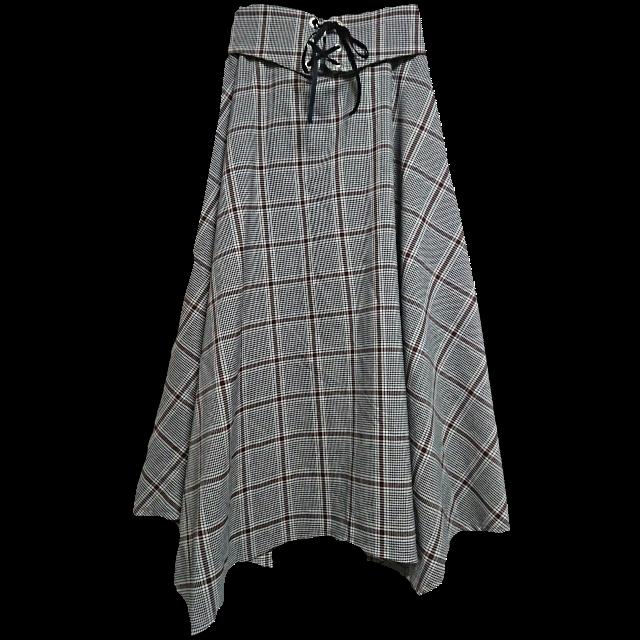 不明のフレアスカートを使った着回しを募集します。