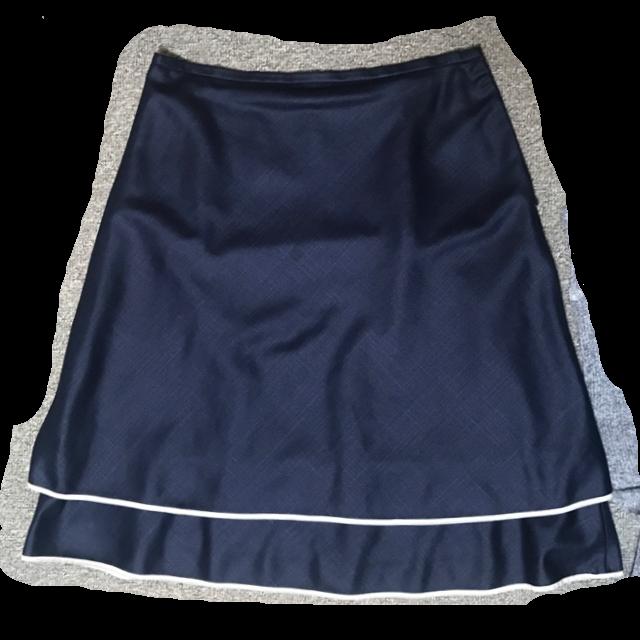 EMMAJAMESのひざ丈スカートを使った着回しを募集します。