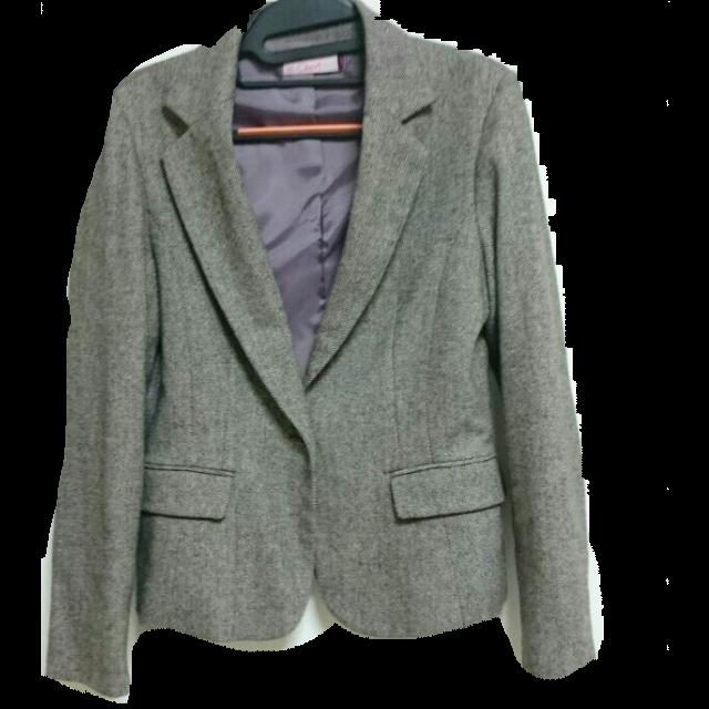 不明のテーラードジャケットを使った着回しを募集します。
