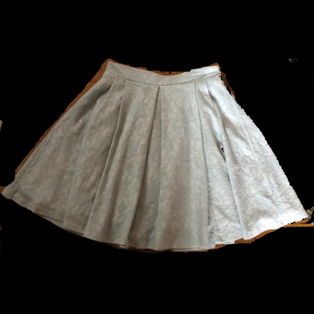 CLEF DE SOLのひざ丈スカートを使った着回しを募集します。