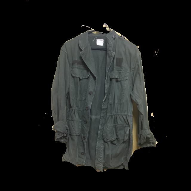 不明のミリタリージャケットを使った着回しを募集します。