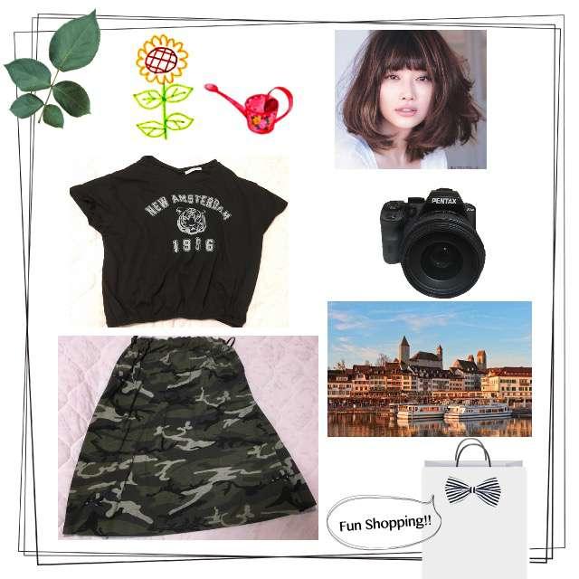 「カジュアル、お散歩」に関するE hyphen world gallery PEACEのTシャツ/カットソー、CHARMBERRYTICのひざ丈スカート等を使ったコーデ画像