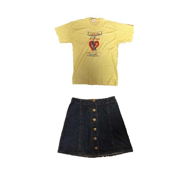 Tシャツ/カットソー、タイトスカート等を使ったコーデ画像