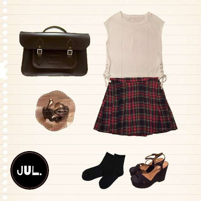 「ガーリー・フェミニン、おでかけ、夏」に関するTシャツ/カットソー、プリーツスカート等を使ったコーデ画像