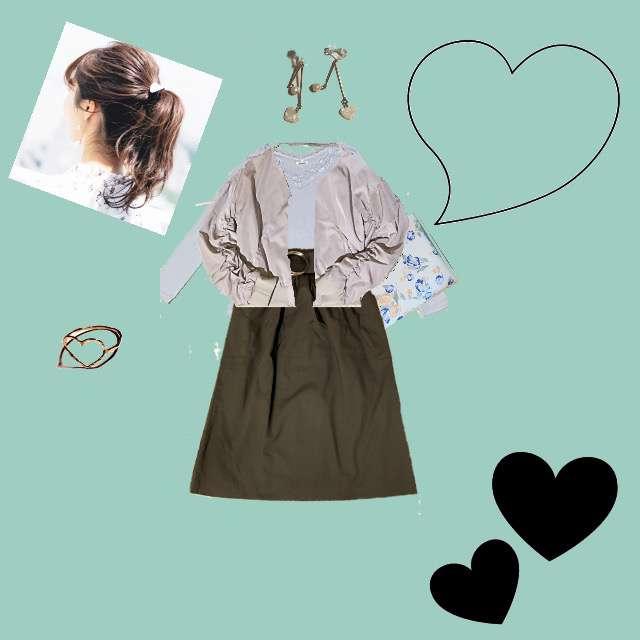 HONEYSのTシャツ/カットソー、GUのひざ丈スカート等を使ったコーデ画像