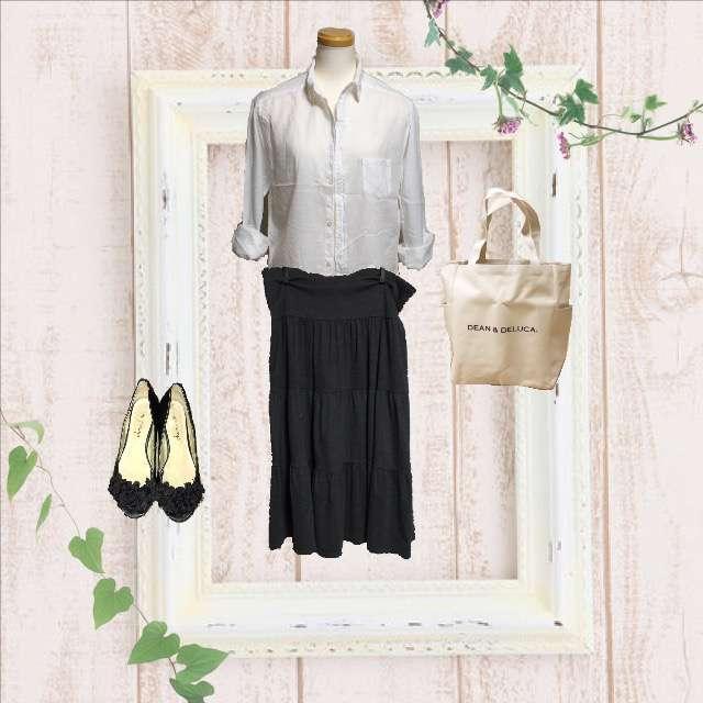 「シンプル、オフィス」に関するHAPTICのシャツ/ブラウス、UNIQLOのマキシ丈スカート等を使ったコーデ画像