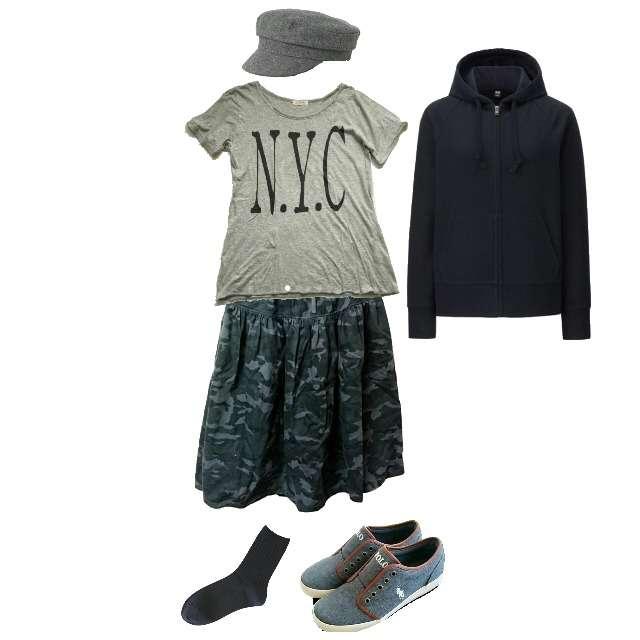 FRAMeWORKのTシャツ/カットソー、靴下屋のソックス等を使ったコーデ画像