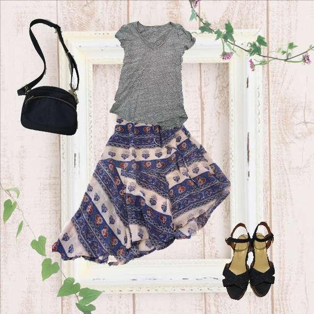 GAPのTシャツ/カットソー、ミモレ丈スカート等を使ったコーデ画像