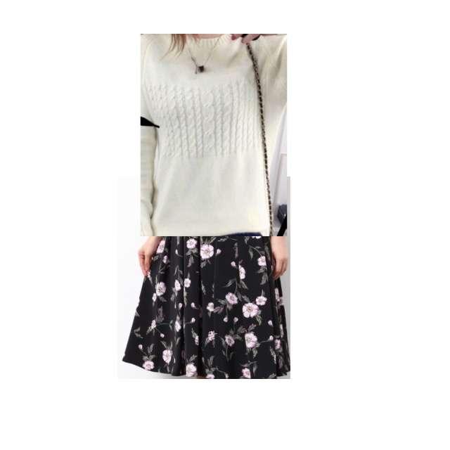 ニット/セーター、ROPE' PICNICのフレアスカート等を使ったコーデ画像