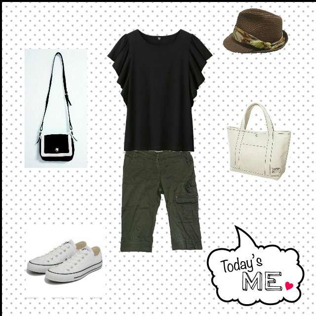 UNIQLOのTシャツ/カットソー、Rouge vifのカーゴパンツ等を使ったコーデ画像