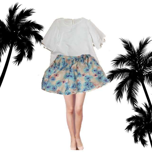 PLSTのTシャツ/カットソー、スカート等を使ったコーデ画像