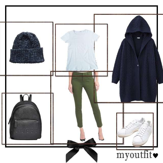 「おでかけ、冬、カジュアル」に関するTシャツ/カットソー、GAPのクロップドパンツ等を使ったコーデ画像