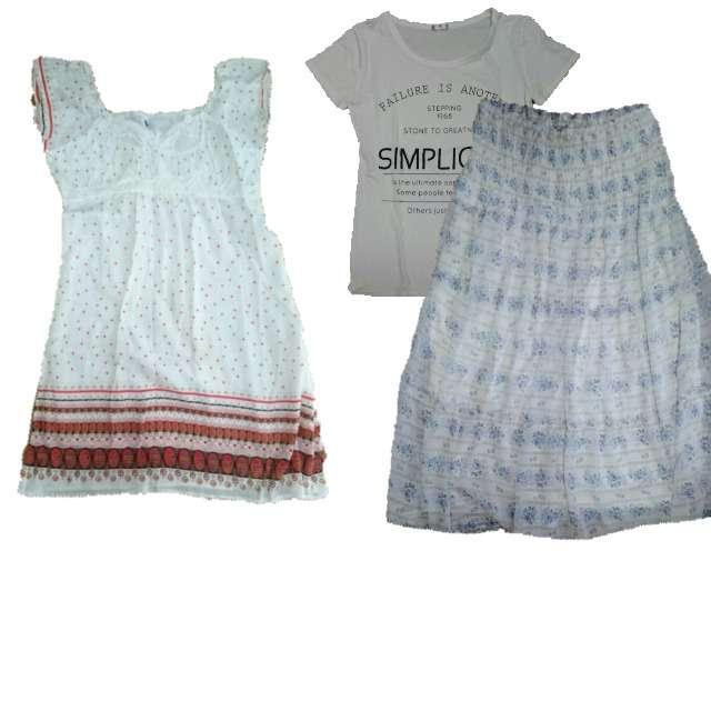 Tシャツ/カットソー、ミニワンピ等を使ったコーデ画像
