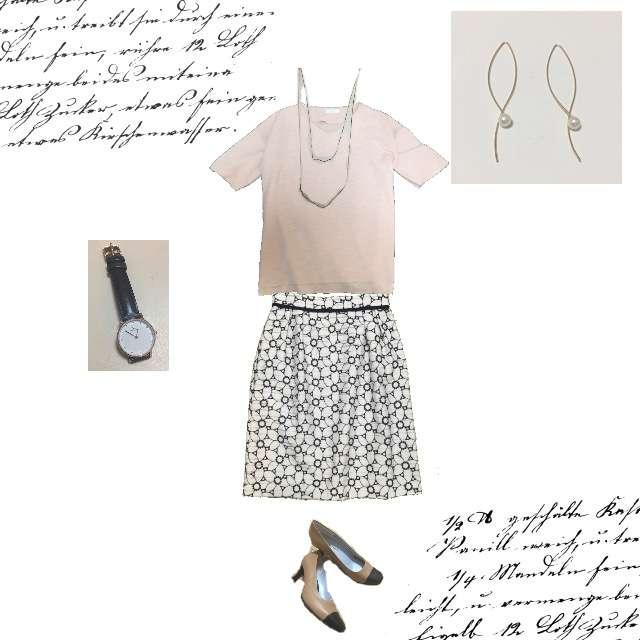 Tシャツ/カットソー、Debut de Fioreのタイトスカート等を使ったコーデ画像