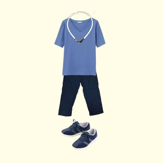 GUのTシャツ/カットソー、しまむらのクロップドパンツ等を使ったコーデ画像