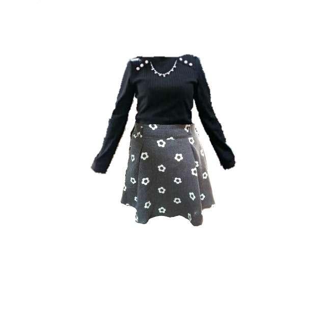 axes femmeのニット/セーター、ミニスカート等を使ったコーデ画像