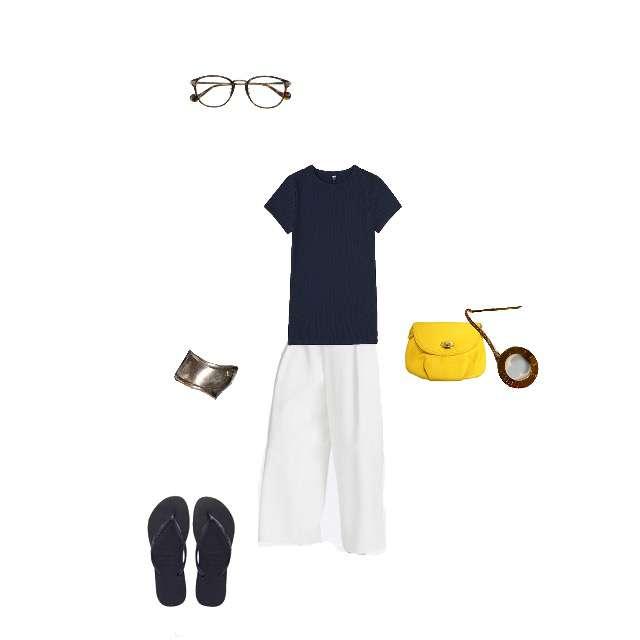 「イエローバッグ、ネイビー×ホワイト」に関するUNIQLOのTシャツ/カットソー、UNIQLOのガウチョパンツ等を使ったコーデ画像