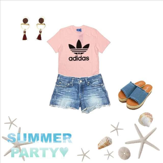 adidasのTシャツ/カットソー、moussyのショートパンツ等を使ったコーデ画像
