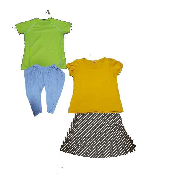 Tシャツ/カットソー、グローバルワークスのフレアスカート等を使ったコーデ画像