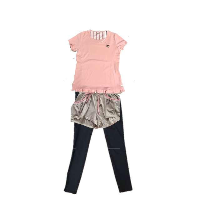 FILAのTシャツ/カットソー、ボトムス等を使ったコーデ画像