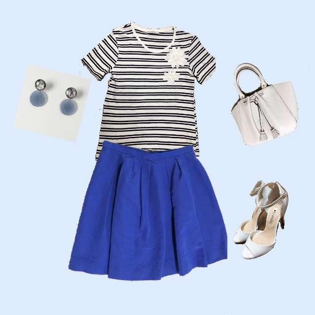 「ガーリー・フェミニン」に関するZARAのTシャツ/カットソー、Apuweiser-richeのひざ丈スカート等を使ったコーデ画像