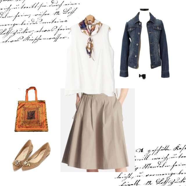 Tシャツ/カットソー、UNIQLOのミモレ丈スカート等を使ったコーデ画像
