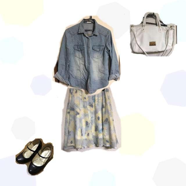 「ガーリー・フェミニン、通勤、雨の日」に関するGUのシャツ/ブラウス、フレアスカート等を使ったコーデ画像