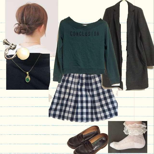 GUのTシャツ/カットソー、ひざ丈スカート等を使ったコーデ画像