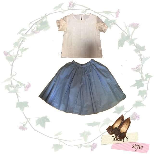 PAGEBOYのTシャツ/カットソー、ひざ丈スカート等を使ったコーデ画像