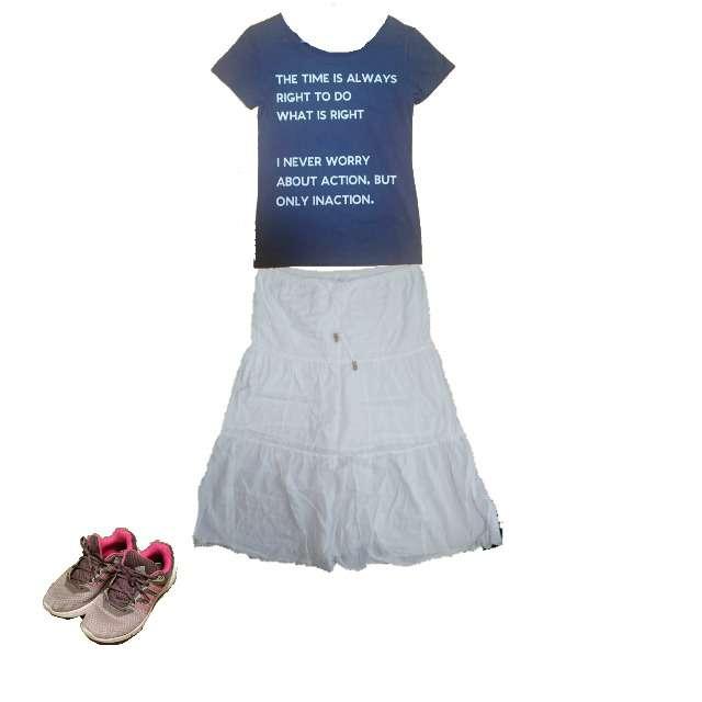しまむらのTシャツ/カットソー、ミモレ丈スカート等を使ったコーデ画像
