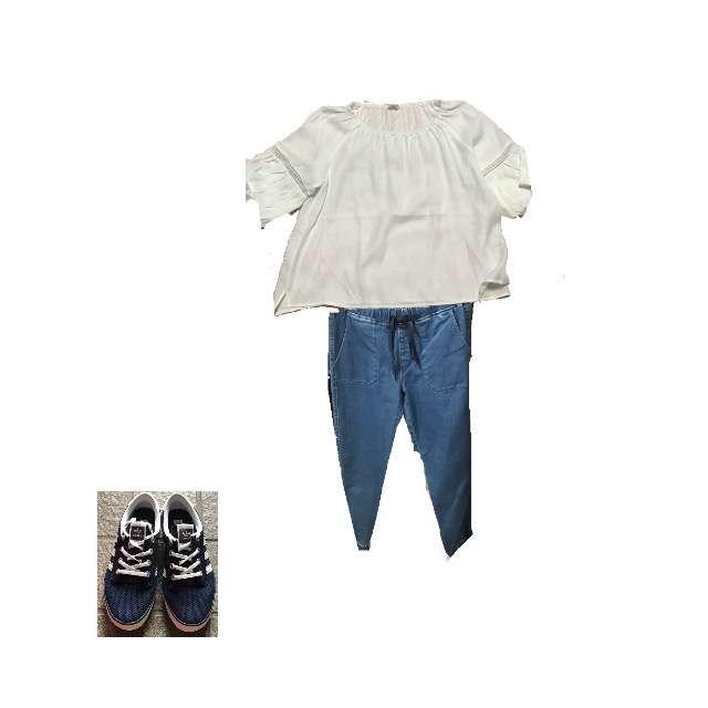 LIFEのTシャツ/カットソー、UNIQLOのデニムパンツ等を使ったコーデ画像