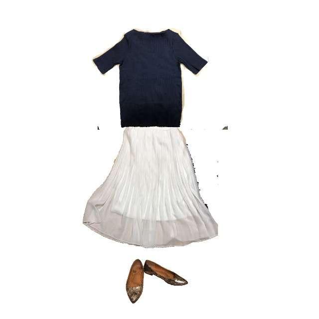 UNIQLOのTシャツ/カットソー、UNIQLOのマキシ丈スカート等を使ったコーデ画像