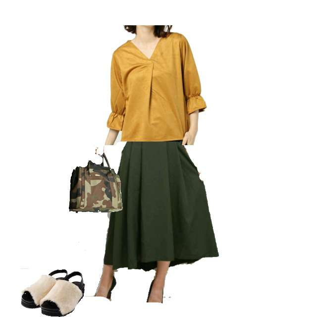 INGNIのTシャツ/カットソー、プリーツスカート等を使ったコーデ画像