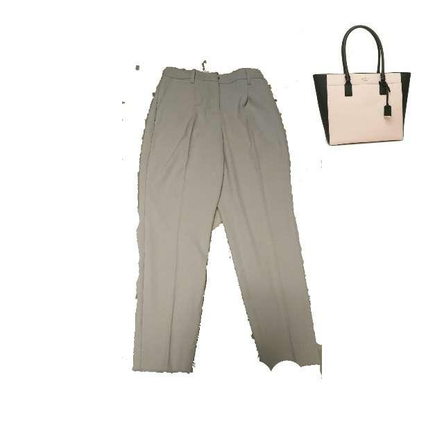 PLSTのタックパンツ、kate spade new yorkのトートバッグ等を使ったコーデ画像