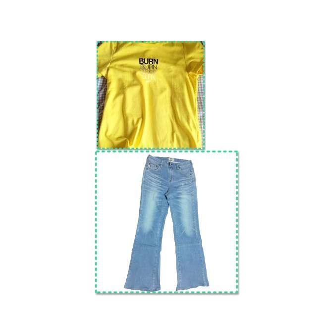 Tシャツ/カットソー、SOMETHINGのデニムパンツ等を使ったコーデ画像