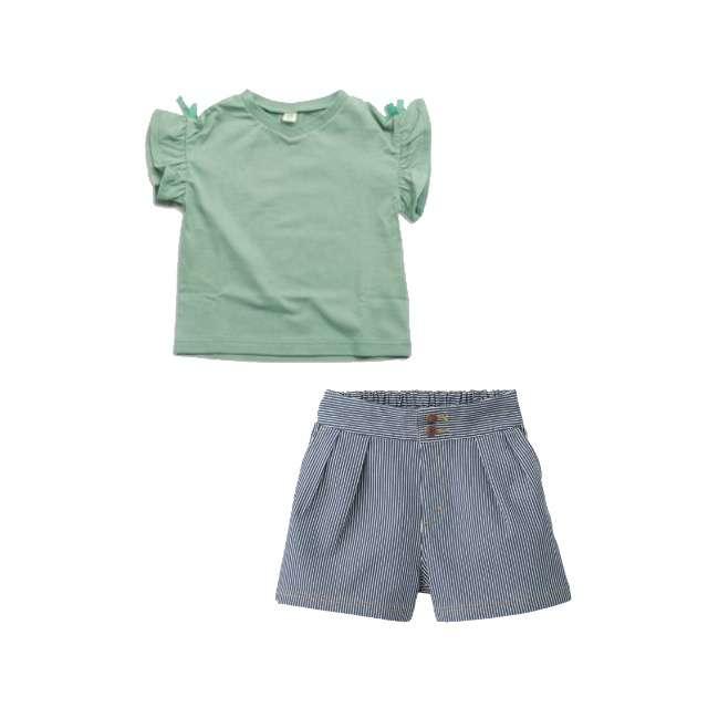 apres les coursのTシャツ/カットソー、GUのショートパンツ等を使ったコーデ画像