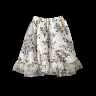 このコーデで使われているaxes femmeのひざ丈スカート[ホワイト]