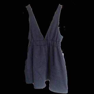 不明のジャンパースカート