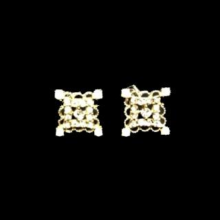このコーデで使われているピアス/イヤリング[ホワイト/シルバー/ゴールド]