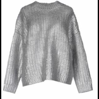 DKNYのニット/セーター