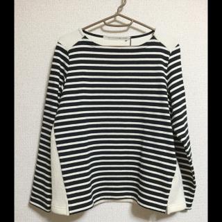 このコーデで使われているNIMESのTシャツ/カットソー[ネイビー/ホワイト/ベージュ]