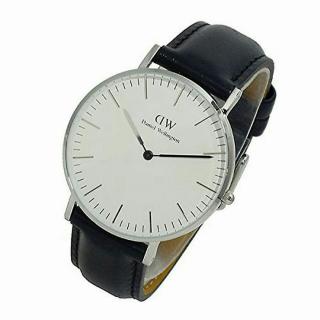 このコーデで使われているDaniel Wellingtonの腕時計[ホワイト/ブラック/シルバー]