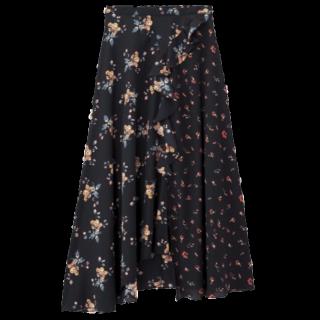 FIFTHのスカート